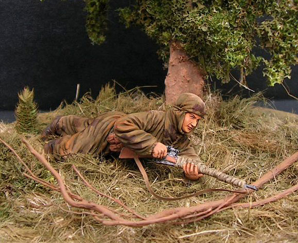 Dioramas and Vignettes: Soviet sniper woman at fire position