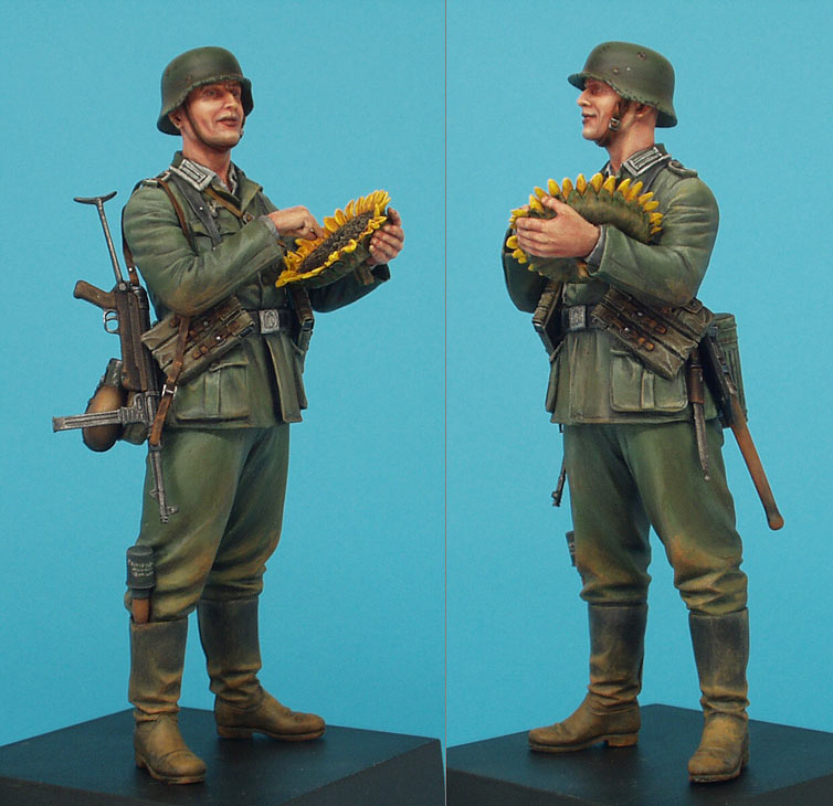 Figures: German soldier with sunflower, photo #3