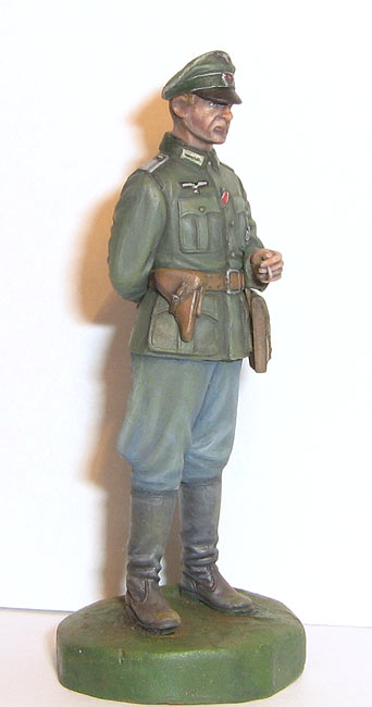 Figures: German officer, photo #1