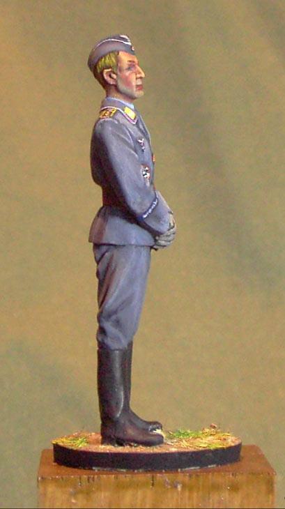 Figures: Luftwaffe hauptmann, 1944, photo #7