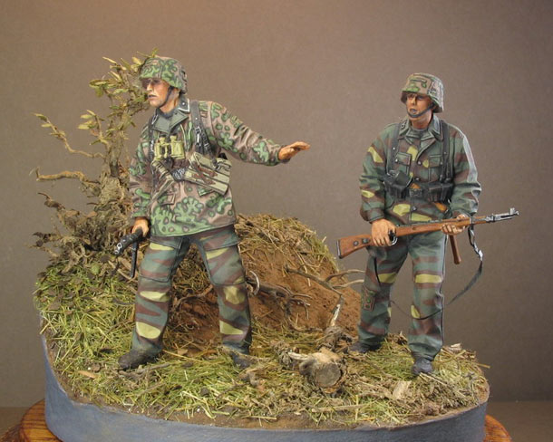 Dioramas and Vignettes: Grenadiers, 12nd SS div.