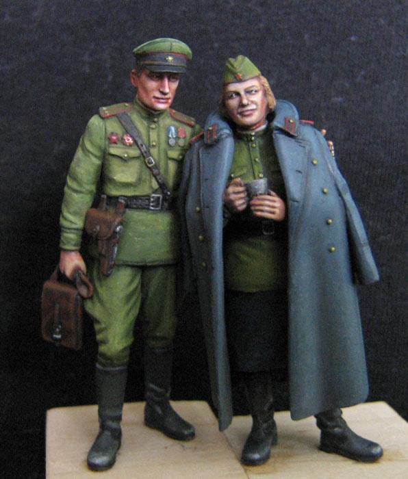 Figures: May 1945, photo #1