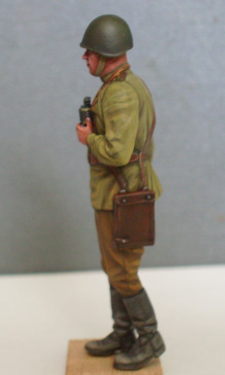 Figures: Red Army officer, summer 1943, photo #3