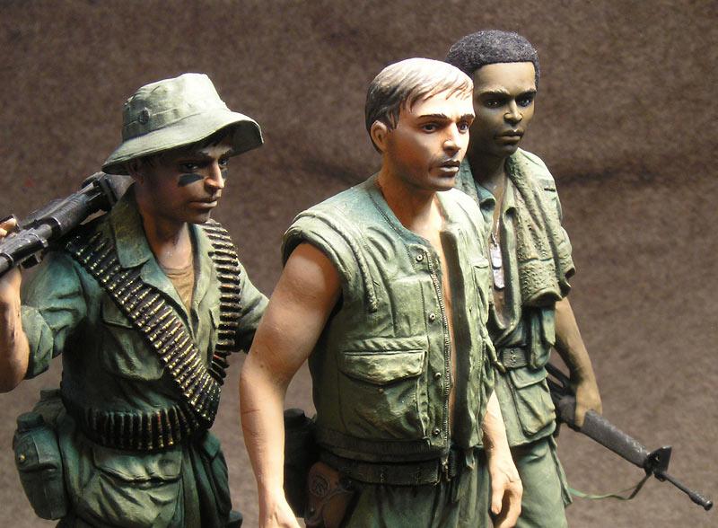 Figures: Vietnam memorial comes alive, photo #3