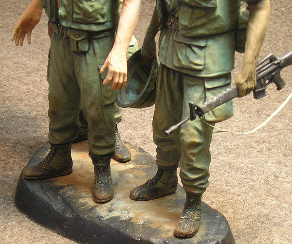 Figures: Vietnam memorial comes alive, photo #4