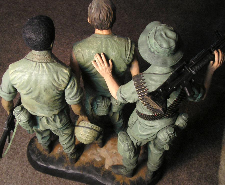 Figures: Vietnam memorial comes alive, photo #5