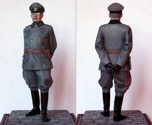 Figures: Herr Oberst