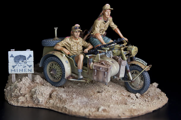 Dioramas and Vignettes: German motorcycle with crew, 21st Pz.Div.