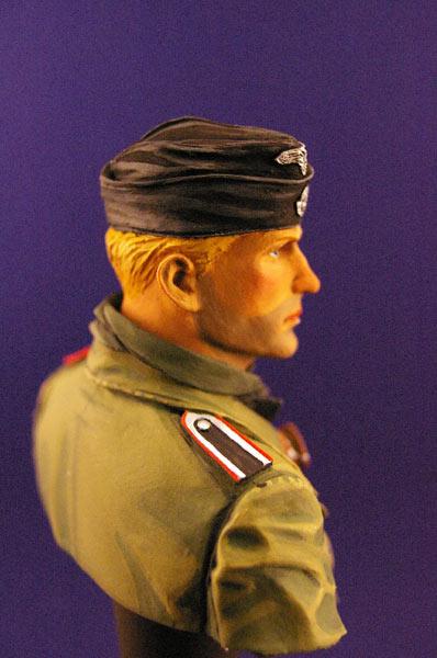 Figures: Tank creaman and pilot, photo #5