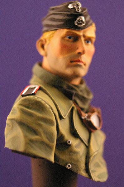 Figures: Tank creaman and pilot, photo #6