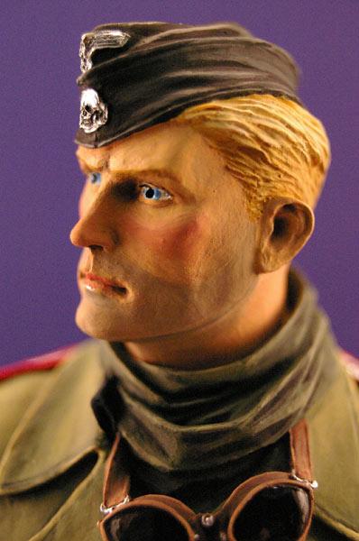 Figures: Tank creaman and pilot, photo #8