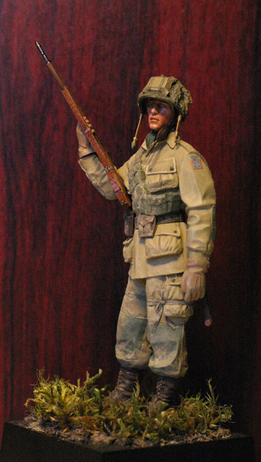 Figures: Paratrooper, 82nd Airborne div., photo #2