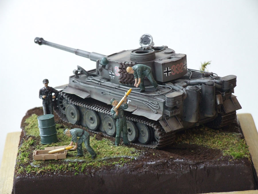 Dioramas and Vignettes: Loading ammo , photo #1