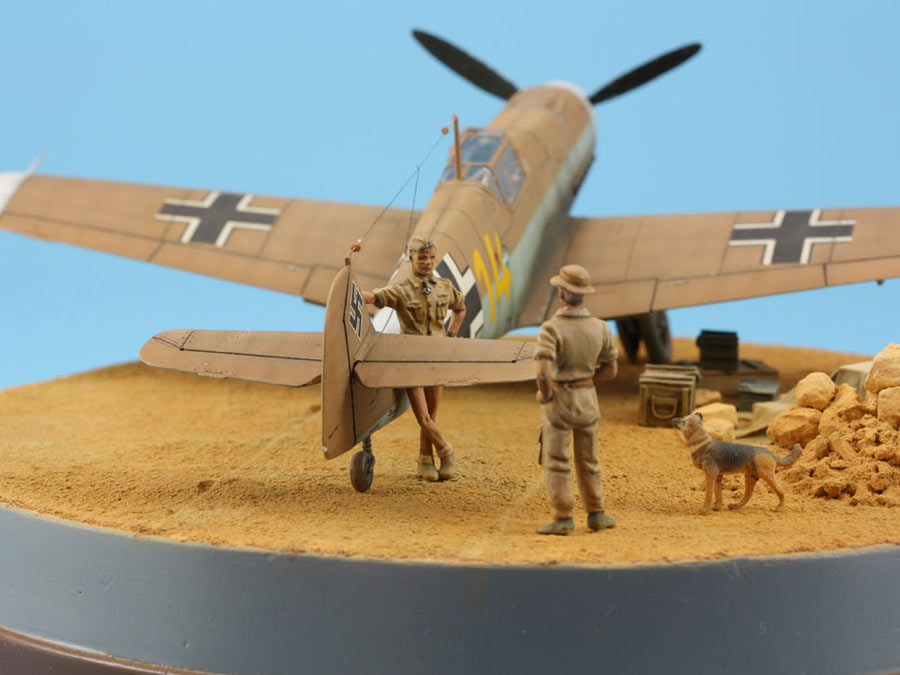 Dioramas and Vignettes: On the dusty airfield, photo #6