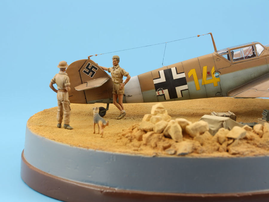 Dioramas and Vignettes: On the dusty airfield, photo #7
