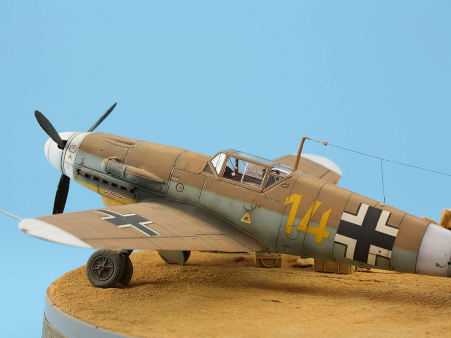Dioramas and Vignettes: On the dusty airfield, photo #8