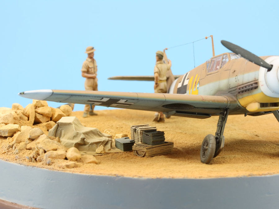 Dioramas and Vignettes: On the dusty airfield, photo #9