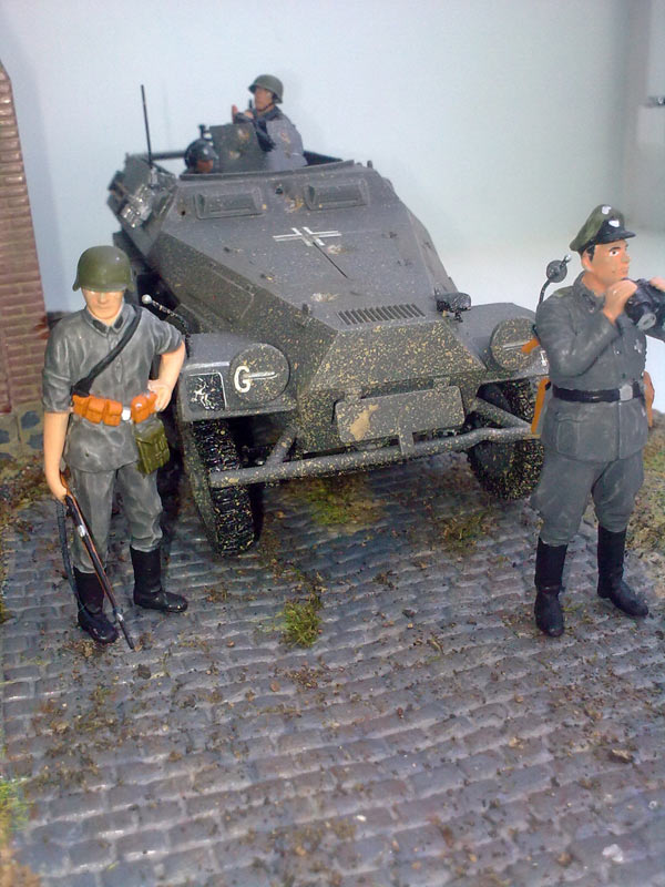 Training Grounds: Germans in town, photo #12