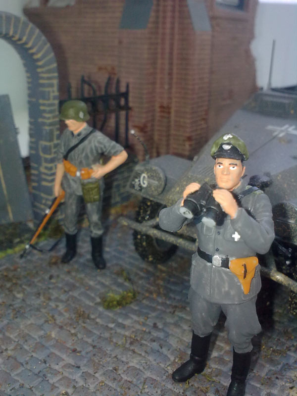 Training Grounds: Germans in town, photo #13