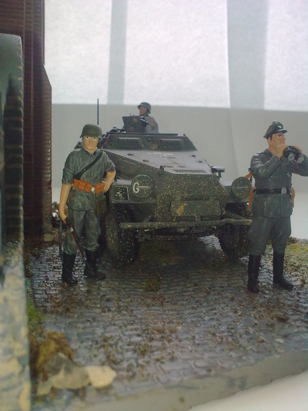 Training Grounds: Germans in town, photo #5