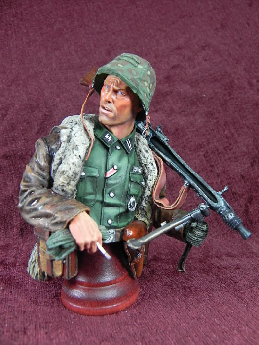 Figures: German machine gunner, photo #2