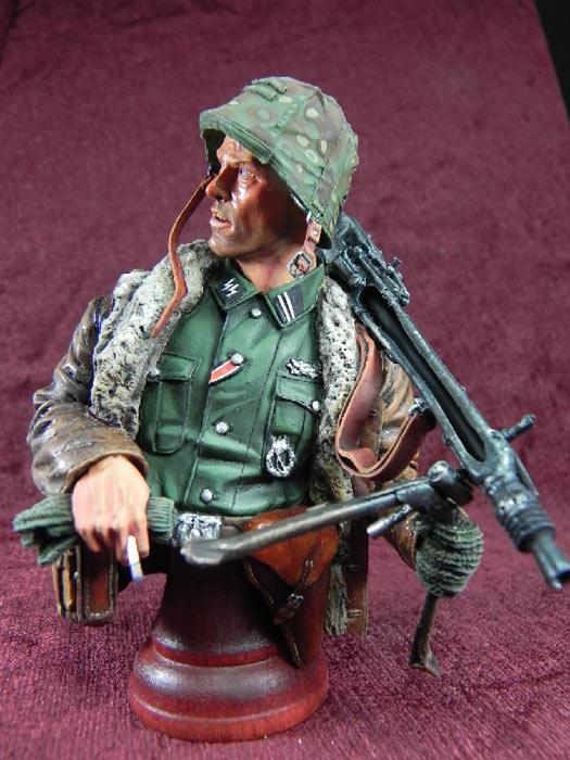 Figures: German machine gunner, photo #3