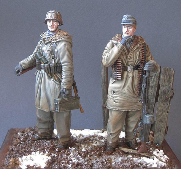 Figures: Machine gun crew, «Totenkopf» SS div., Kharkov, 1943