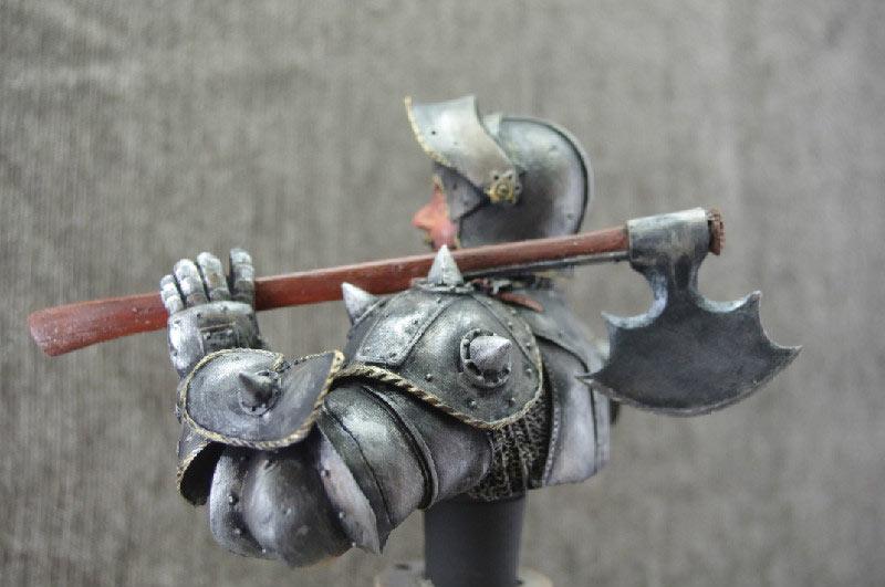 Figures: Merry fellow with an axe, photo #2