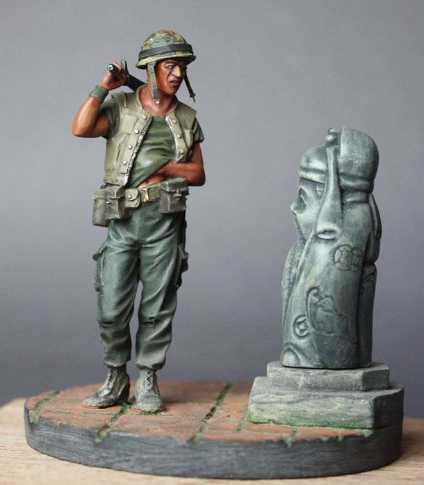 Figures: The Tourist