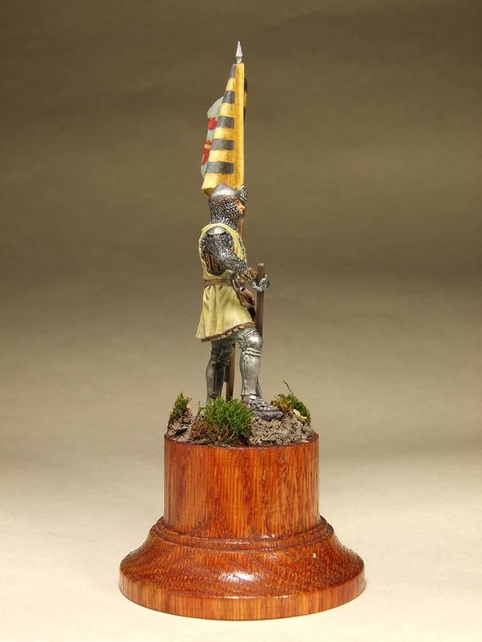 Figures: Saxon standard bearer, mid XIV century, photo #3