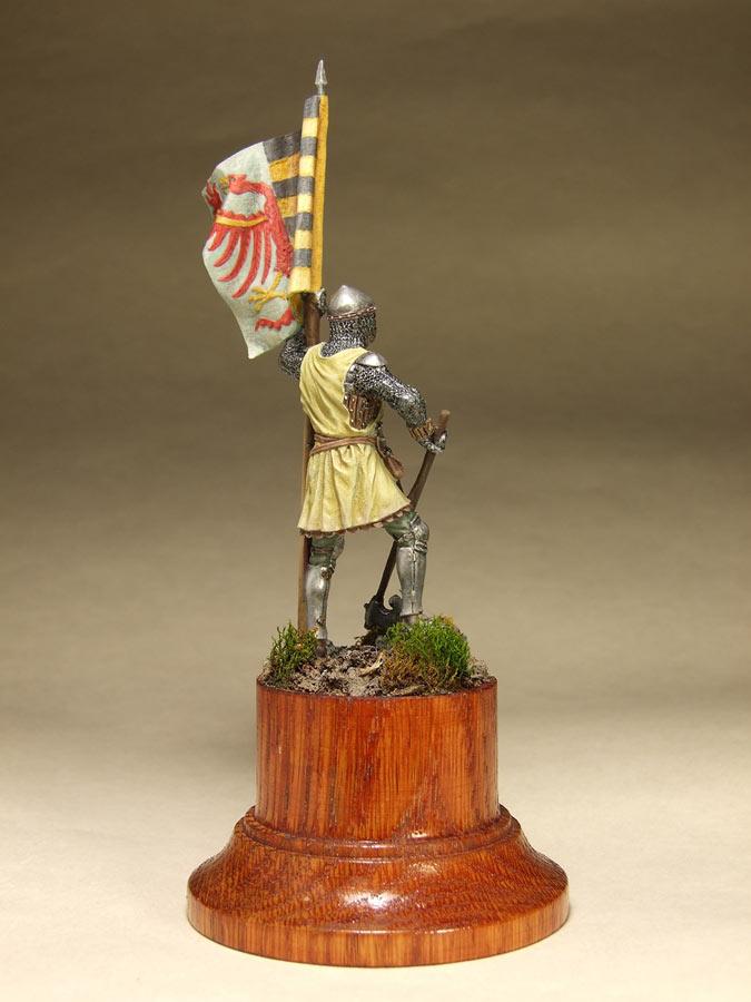 Figures: Saxon standard bearer, mid XIV century, photo #4