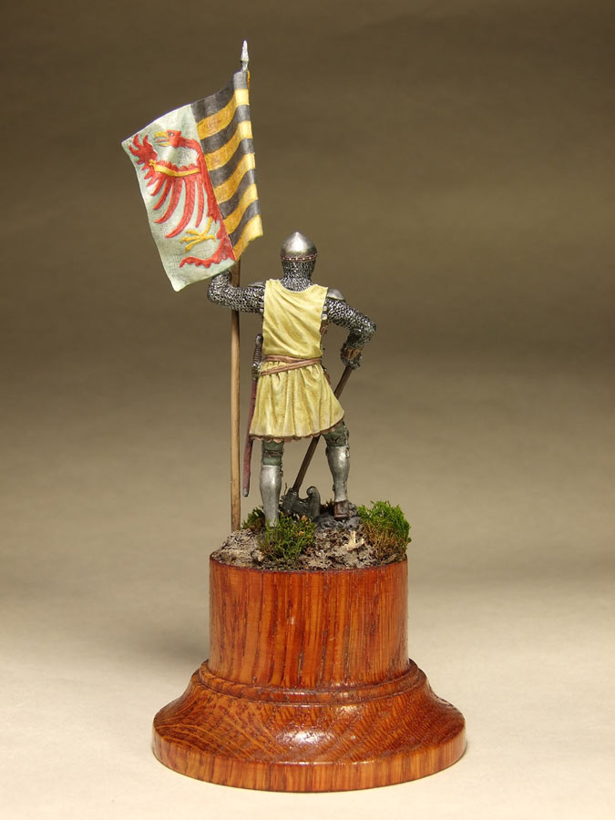 Figures: Saxon standard bearer, mid XIV century, photo #5