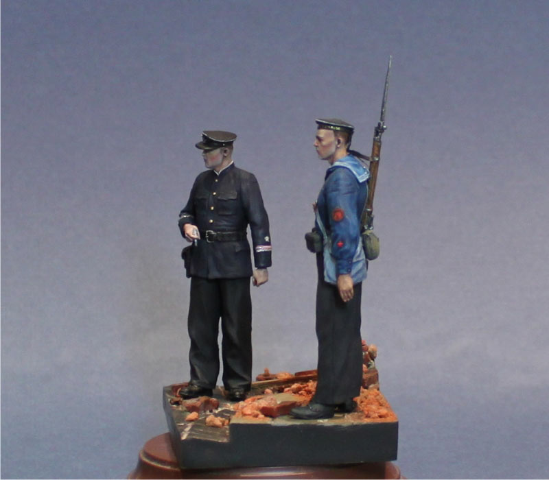Figures: First days of the war, photo #3