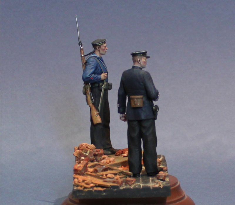 Figures: First days of the war, photo #7