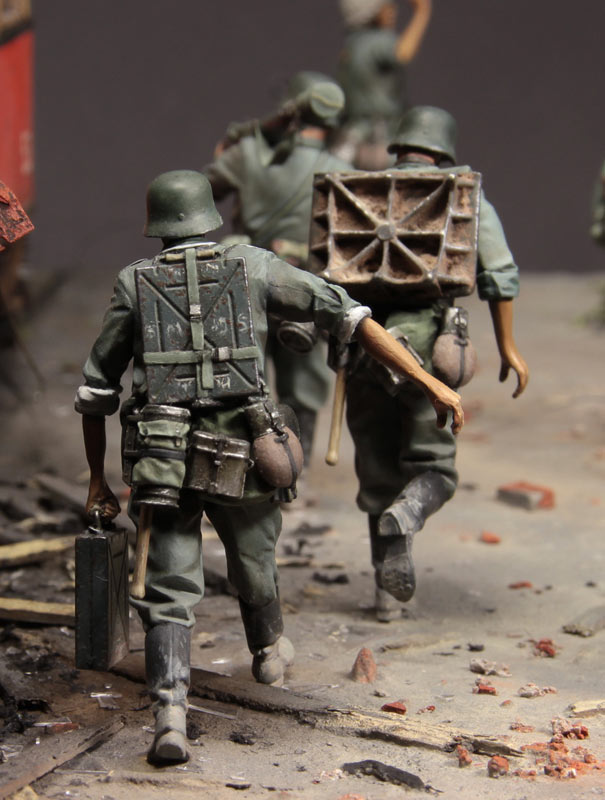 Dioramas and Vignettes: Follow me!, photo #9