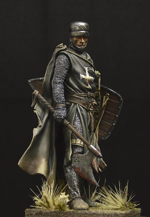 Figures: Hospitalier knight, 13th A.D., photo #3