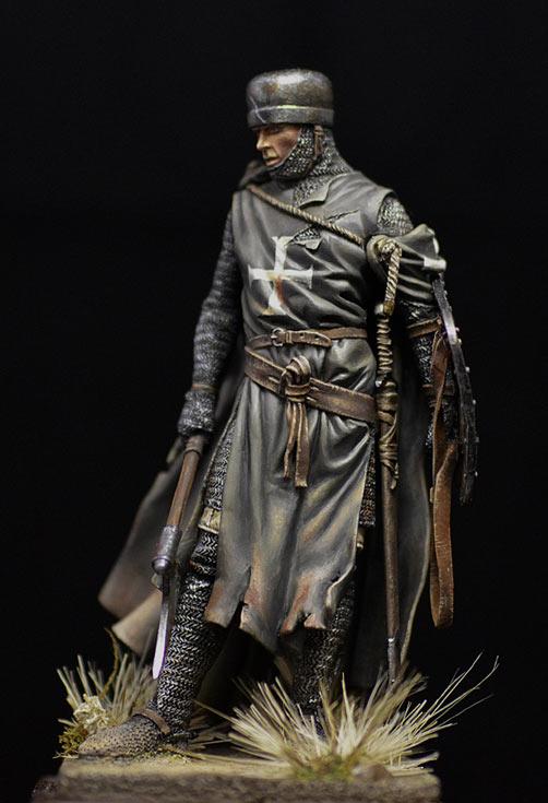 Figures: Hospitalier knight, 13th A.D., photo #5