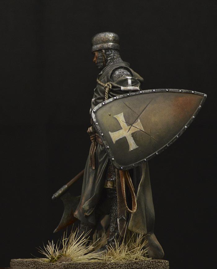 Figures: Hospitalier knight, 13th A.D., photo #7