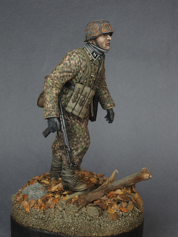 Figures: On the Western front, photo #1