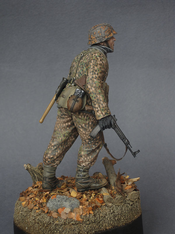Figures: On the Western front, photo #8