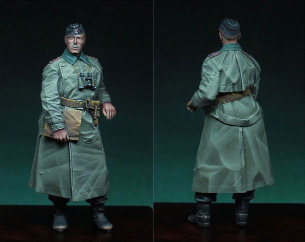 Figures: German tank officer