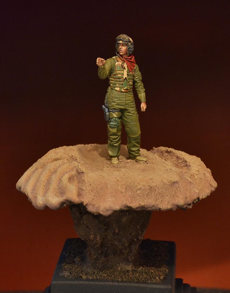 Figures: U.S. tank crewman, Iraq, photo #1