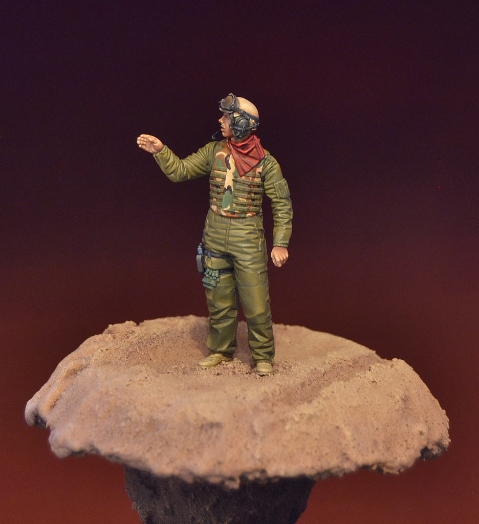Figures: U.S. tank crewman, Iraq, photo #3