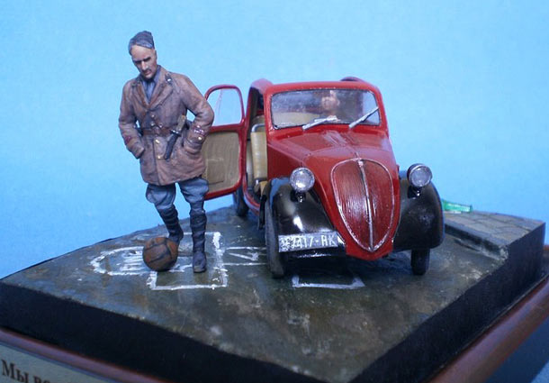 Capo manipulo senior leutenant of mvsn and his driver italy 1941