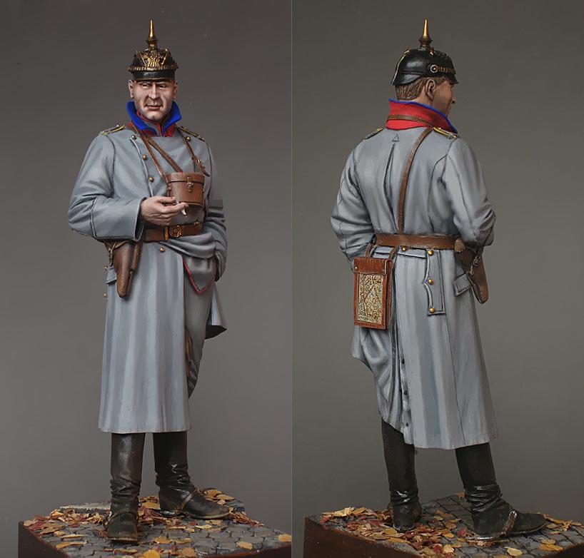 Figures: German cavalry officer