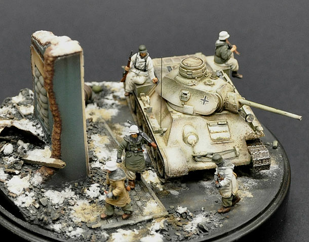 Dioramas and Vignettes: From hands to hands