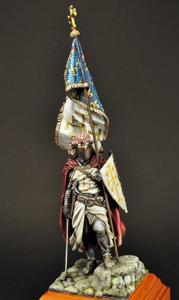 Figures: Standard bearer of Charles I of Naples, photo #3