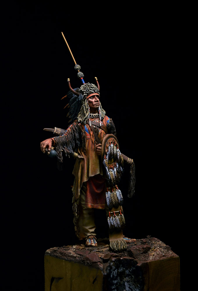 Figures: Blackfoot warrior, photo #10