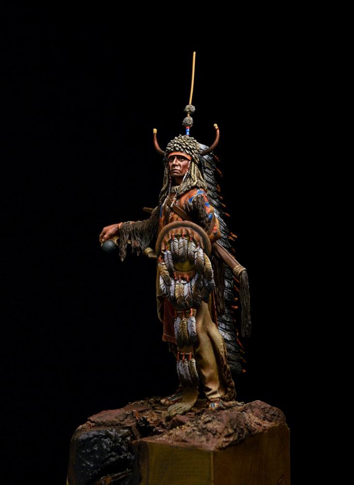 Figures: Blackfoot warrior, photo #6