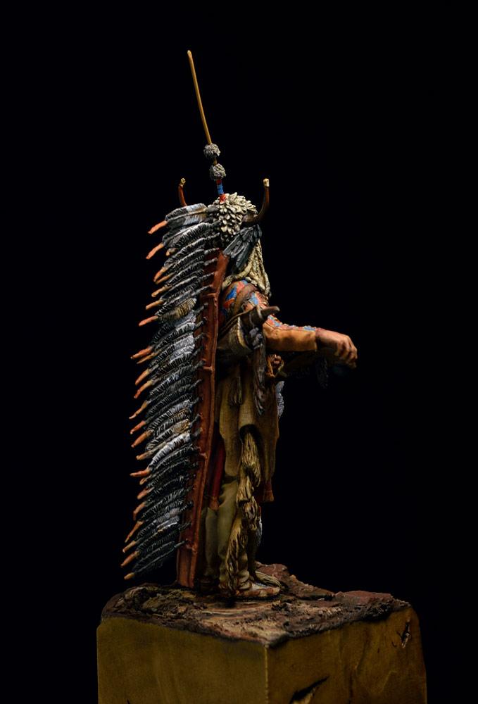 Figures: Blackfoot warrior, photo #8
